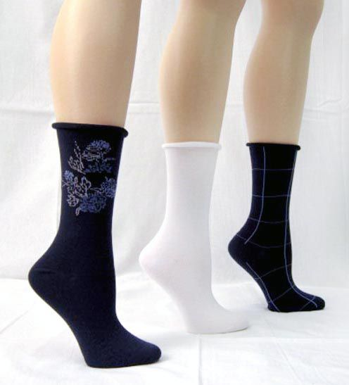 Basic Editions Women's Crew Socks Assorted Three Pack Navy/White