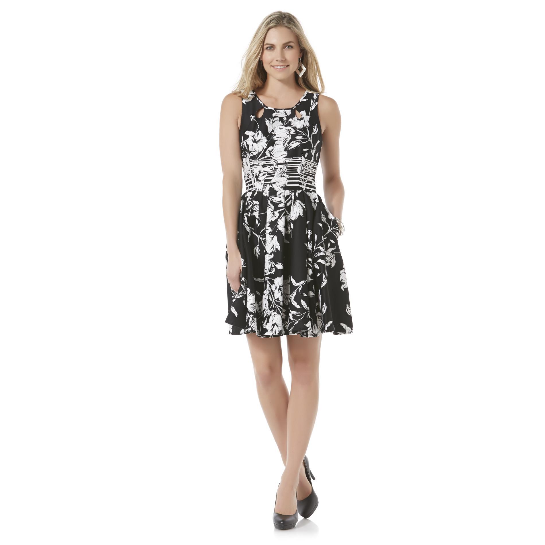 Gabby Skye Women's Pleated Sleeveless Party Dress - Floral