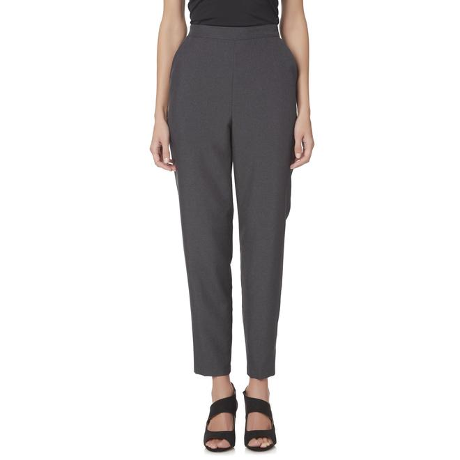 View all ladies clothing Get in shape with our huge deals on ladies workout pants and shorts. Including big name brands such as Nike, adidas, Lonsdale and many more. In a range of sizes and style, that make them perfect for everyone's work out.