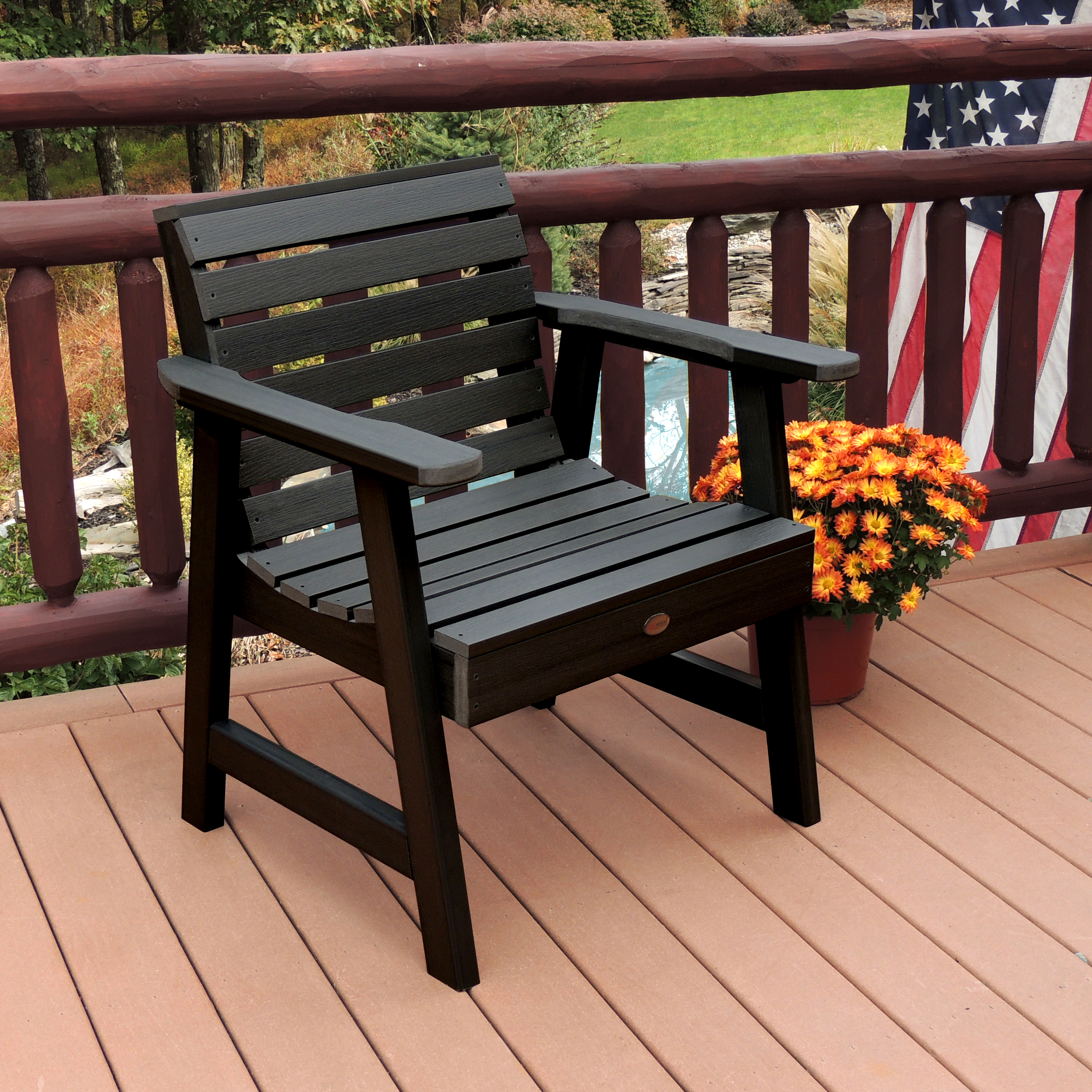 Highwood Weatherly Commercial Grade Synthetic Wood Garden