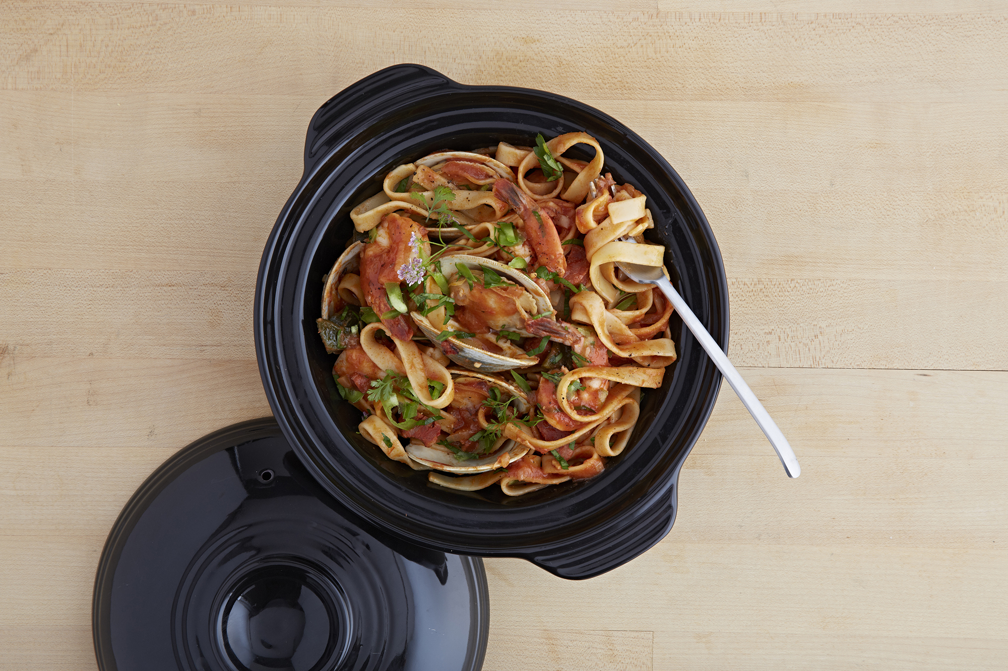 1-Quart Asian Hot Pot with Booklet Black