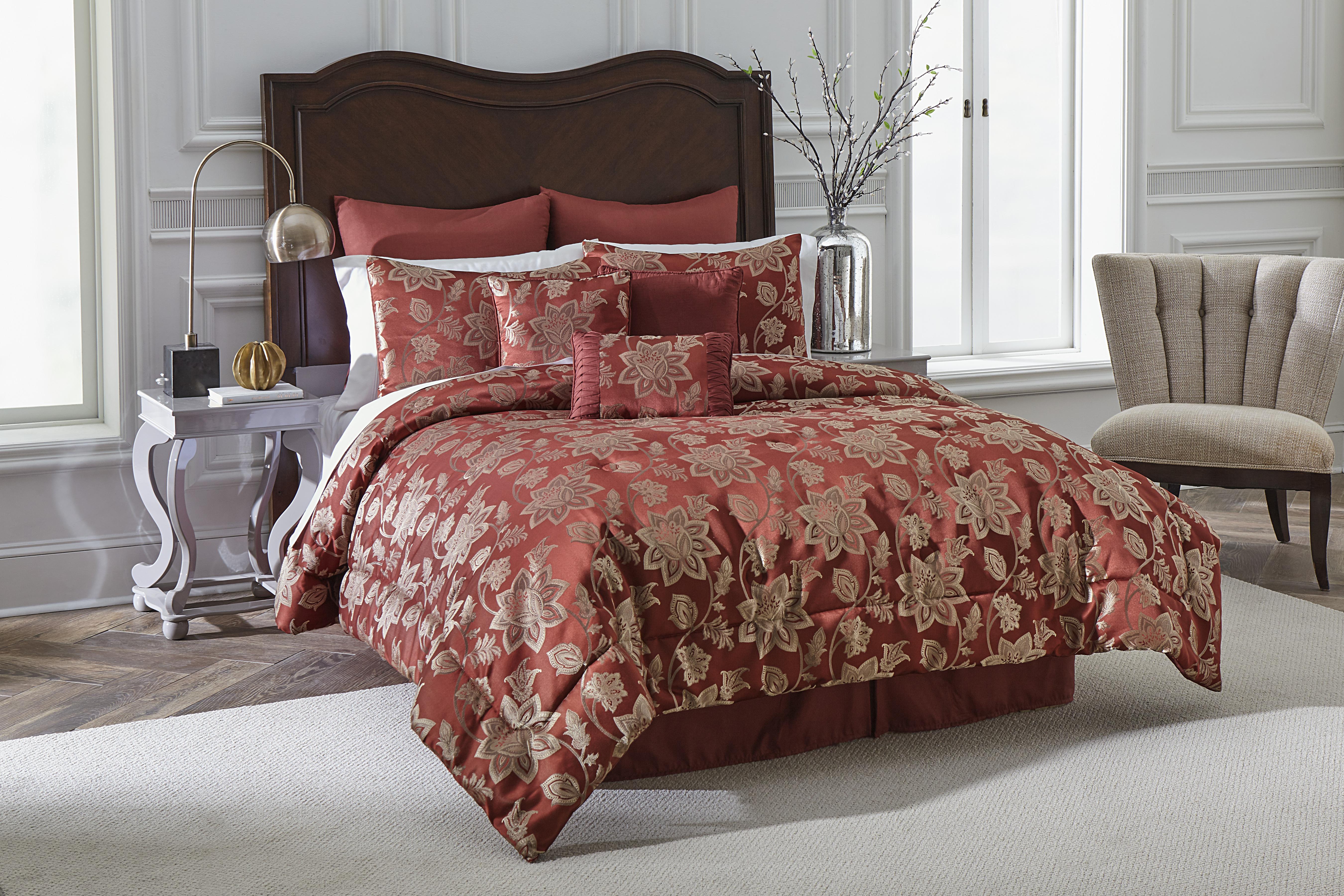 Victoria Classics Floral Jacobean Comforter Set ��� Burgundy