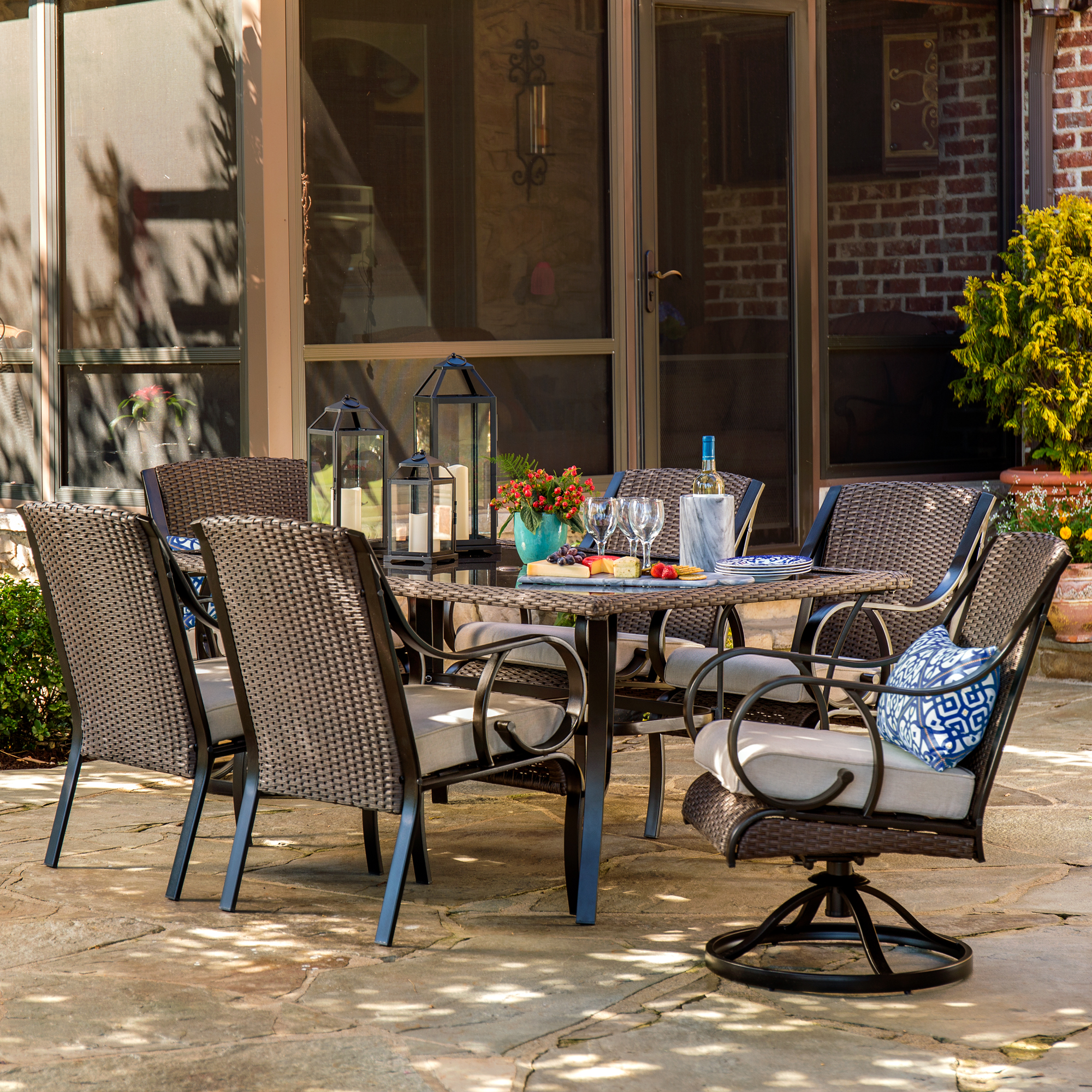 Lazboy Outdoor Dining Furniture