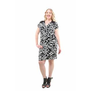 24/7 Comfort Apparel 24/7 Comfort Apparel Women's Plus Size Charcoal and Ivory Flair Print Dress