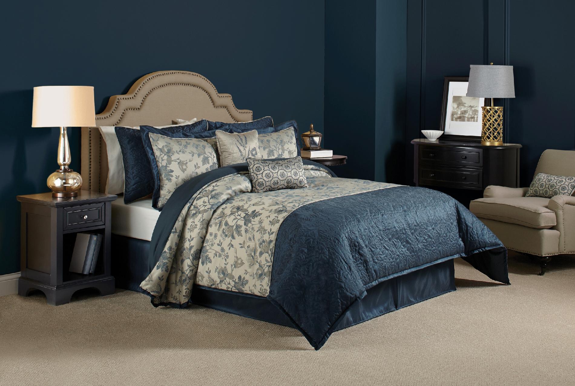 Lilliana Comforter Set