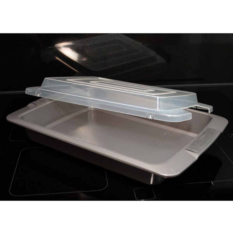 9X13 COVERED CAKE PAN