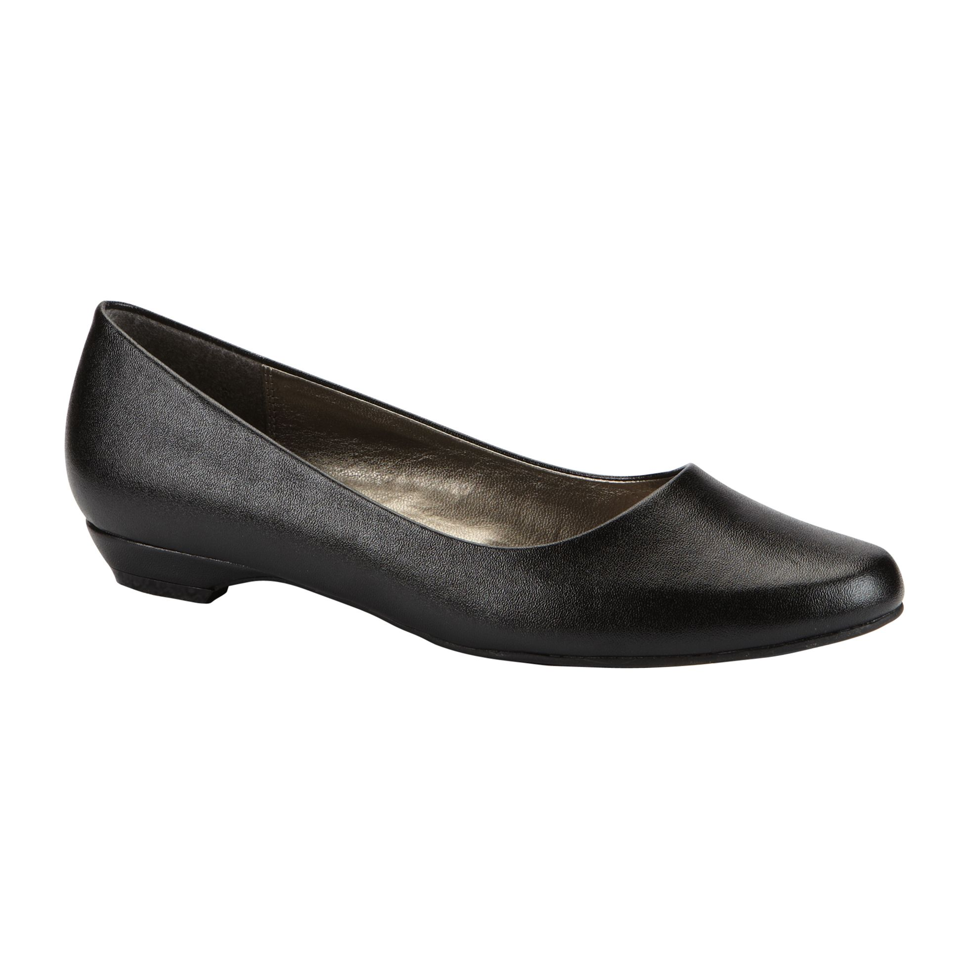 Basic Editions  Women's Irene Round Toe Skimmer WW - Black