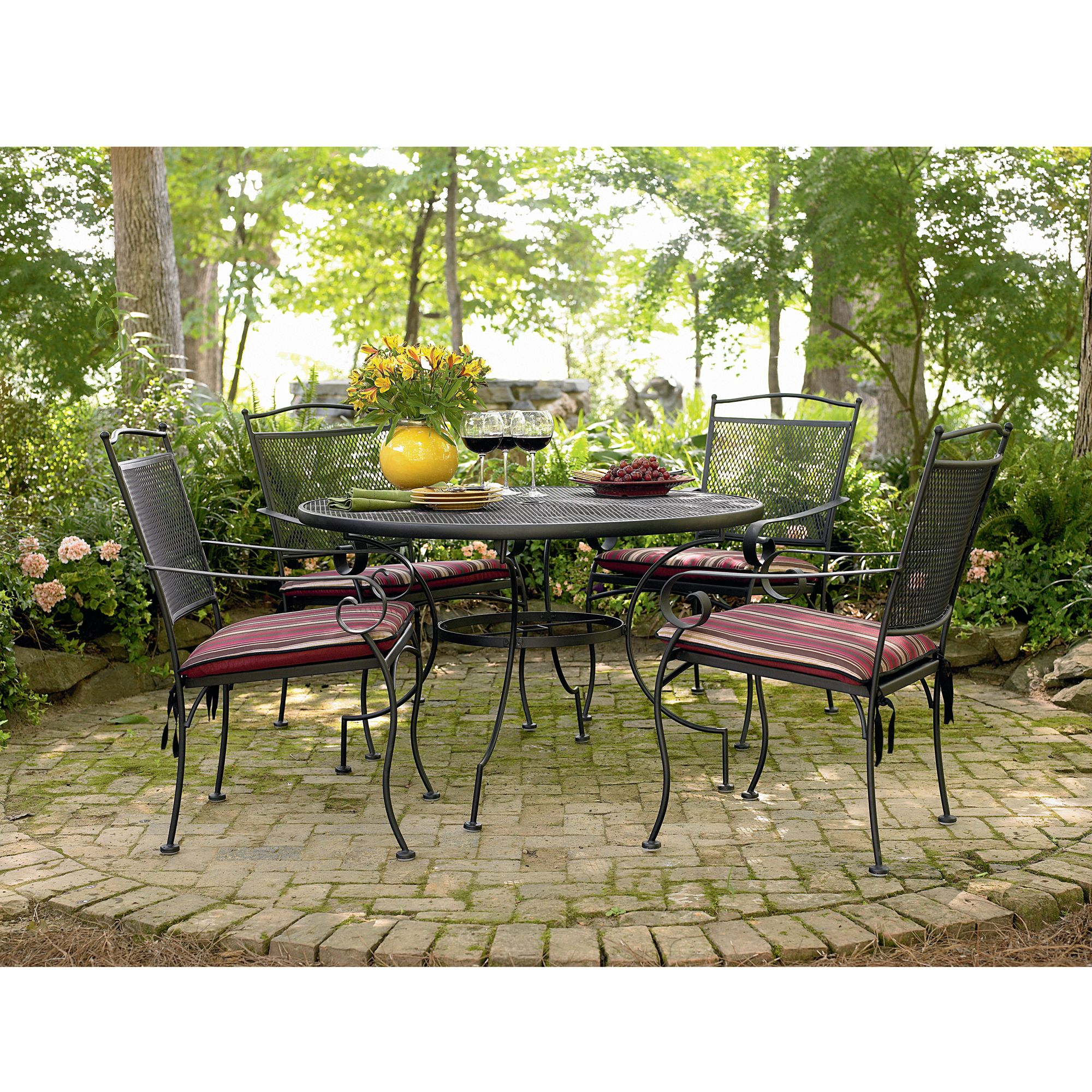 Garden Oasis  Dayton 5 Pc. Dining Set*