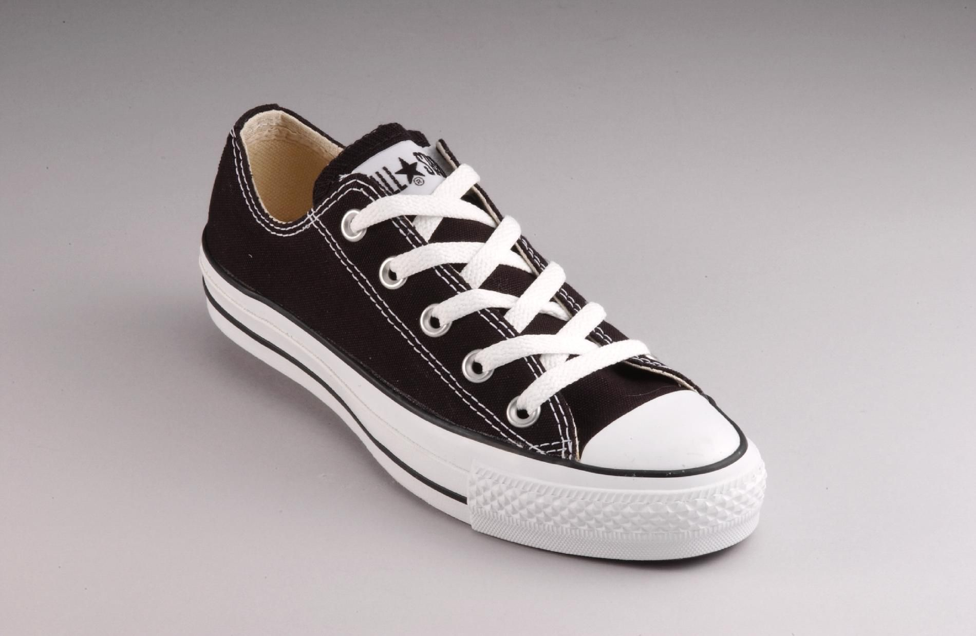 Converse  Boy's Chuck Taylor Casual Shoe - Black