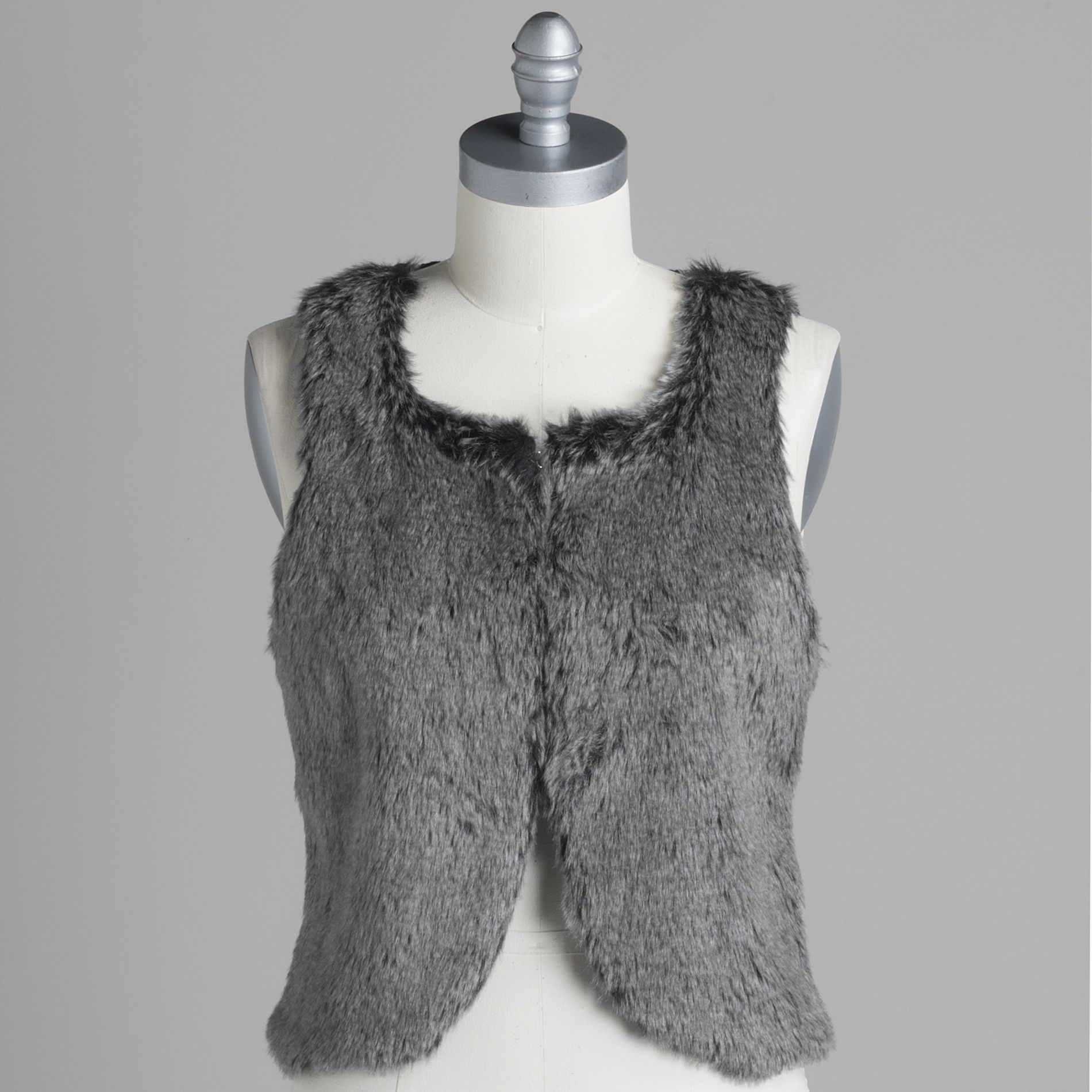 Attention Women s Clasp Front Faux-Fur Vest