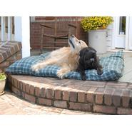 "Carolina Pet Medium Indoor/ Outdoor ""Shebang"" Bed - Green Plaid at Kmart.com"