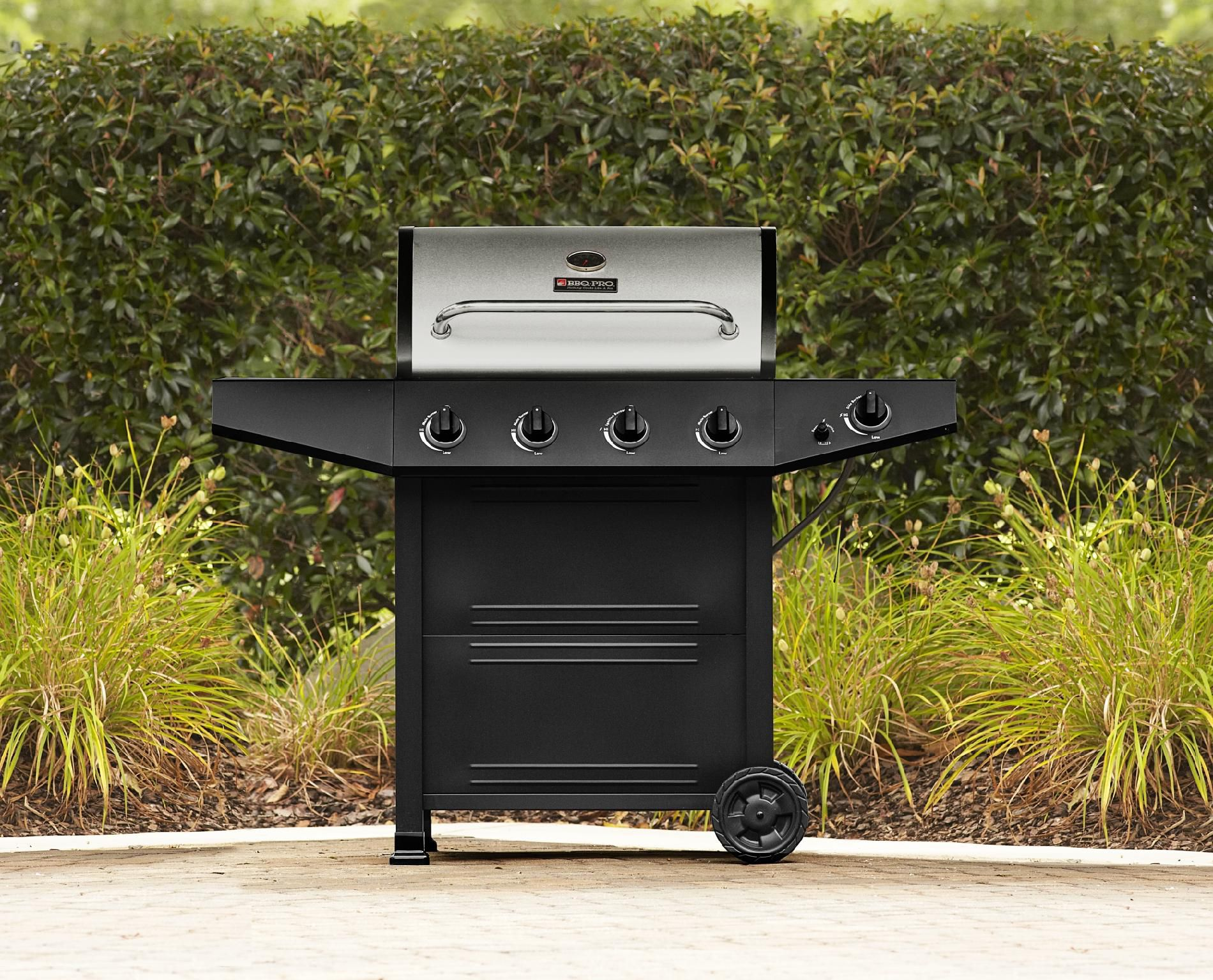 BBQ Pro 4 Burner Gas Grill with Stainless Steel Lid