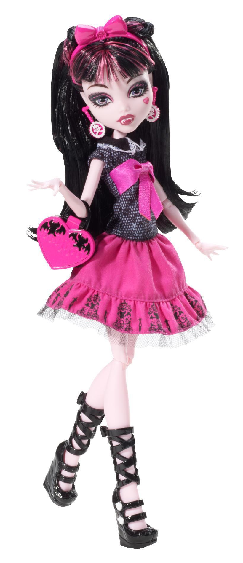 Monster High Draculara® Picture Day Doll 1  sc 1 st  Sears & Monster High Picture Day Draculaura: Vampire Glamor Doll from Kmart