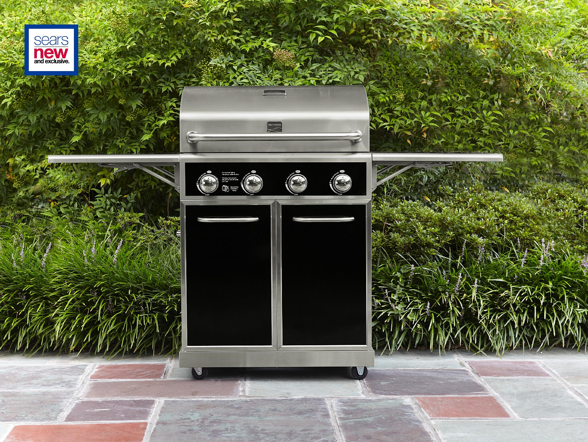 4-Burner-Gas-Grill-with-Folding-Side-Shelves