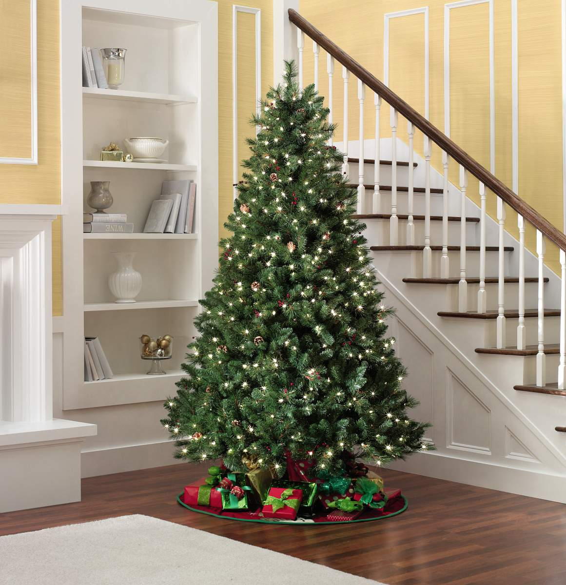 4-5-Pre-lit-Kensington-Pine-Christmas-Tree